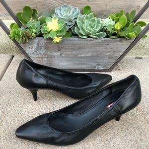$795~ PRADA ~Black Leather Pointed-Toe Pumps~7.5/8